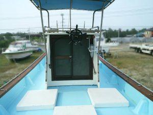 ヤマハ DY-27 中古艇 操舵席 写真